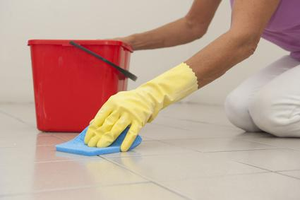 Bathroom Tile Cleaning Service Shiny And Grime Free - Cleaning stained bathroom tiles